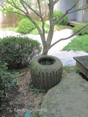 Jap Garden - Urn (redu)